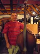 ハンガリー3本弦ベース.JPG